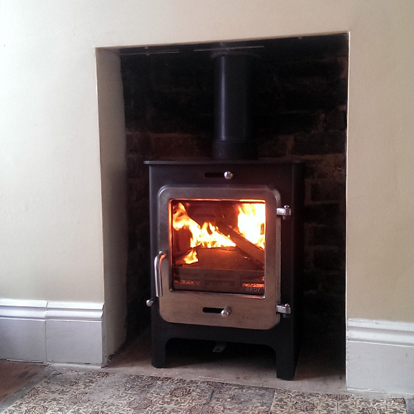 Ekol-clarity-5-burnished-door-brighton-woodburner-installation