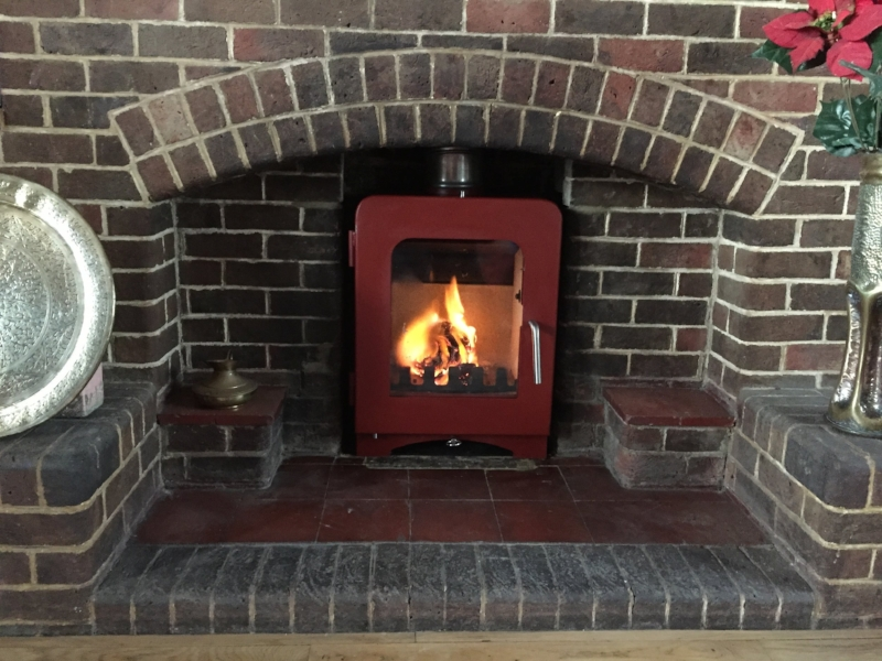 saltfire-st2-red-wood-burner-brighton