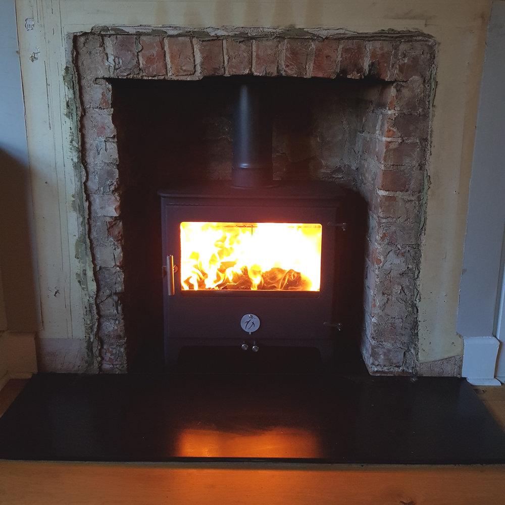 chilli penguin woody log burner