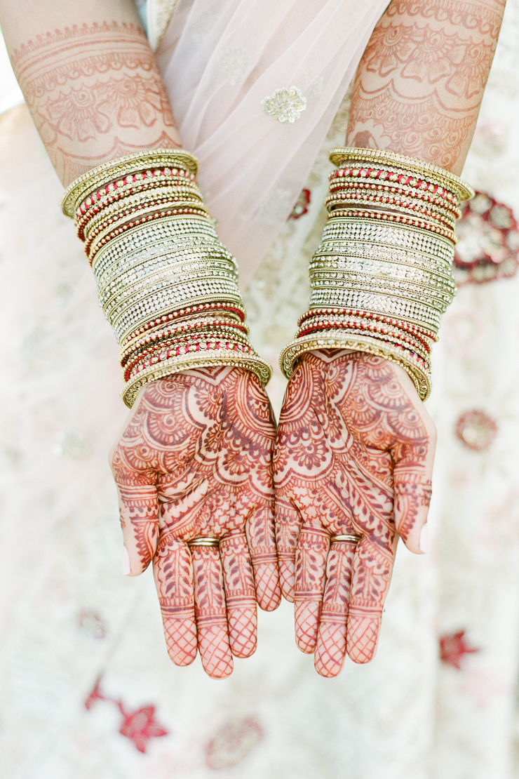 Indian Traditional Henna Hands Wedding Photos