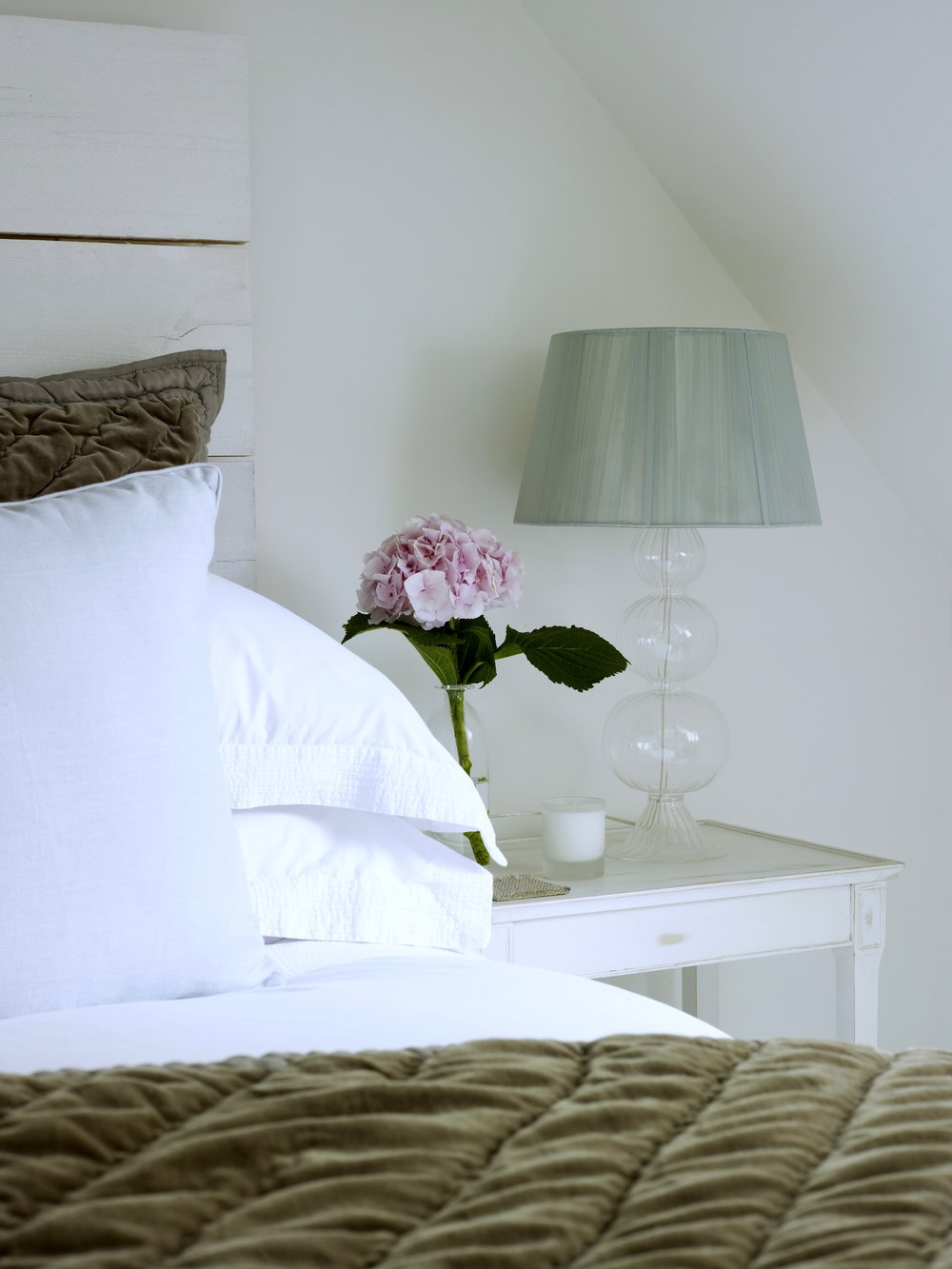 LOUISE HOLT, INTERIOR DESIGN, OXFORD, OXFORDSHIRE, CONTEMPORARY COUNTRY, BEDROOM, COTSWOLDS