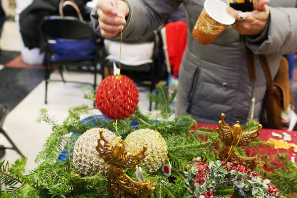 Ornament_1_ws600.jpg