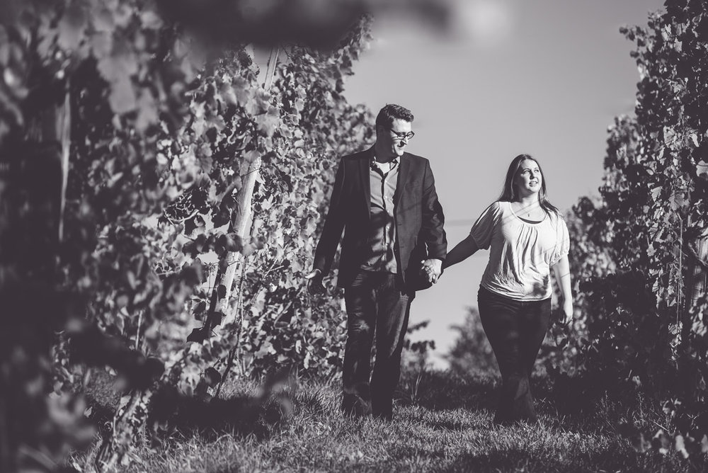Jennifer & Todd - Round Barn Engagement-63-7865-18.jpg