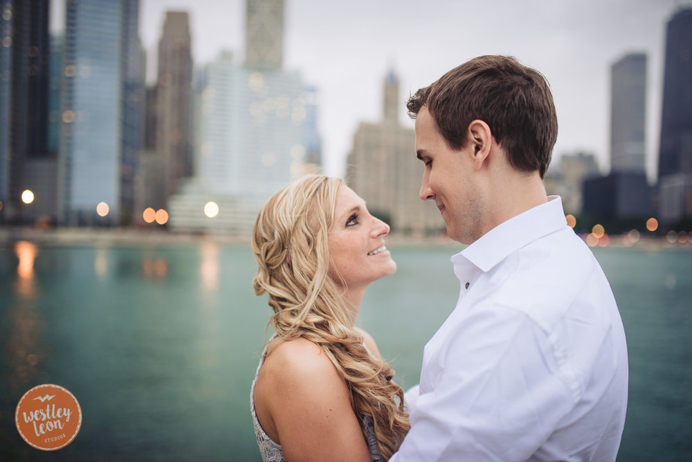 Chicago-Engagement-Session-48.jpg