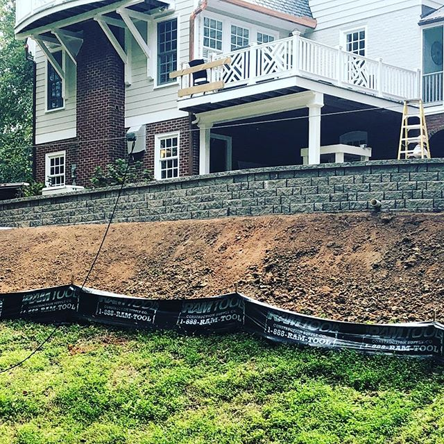 Nice retaining wall completed in Windsor Farms this week. Planting's and sod next. Another great product by @eaglebaypavers, Design by @marciafryerdesigns • • • #hardscapedesign #hardscapebrotherhood #hardscapersofinstagram #hardscape #hardscaping #hardscapes #build #contractor #design #landscapedesign #retainingwall #eaglebay #builder #contractorsofinsta #windsorfarms #rva #richmond #henrico #hanover #glenallen #rvalandscaping #followme #followback