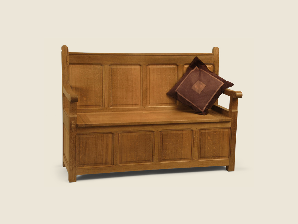 BF219 Solid Oak Settle with Under-Seat Storage