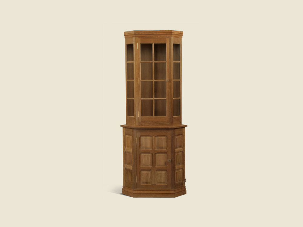BF502B Oak Corner Display Cabinet (3 panel base)