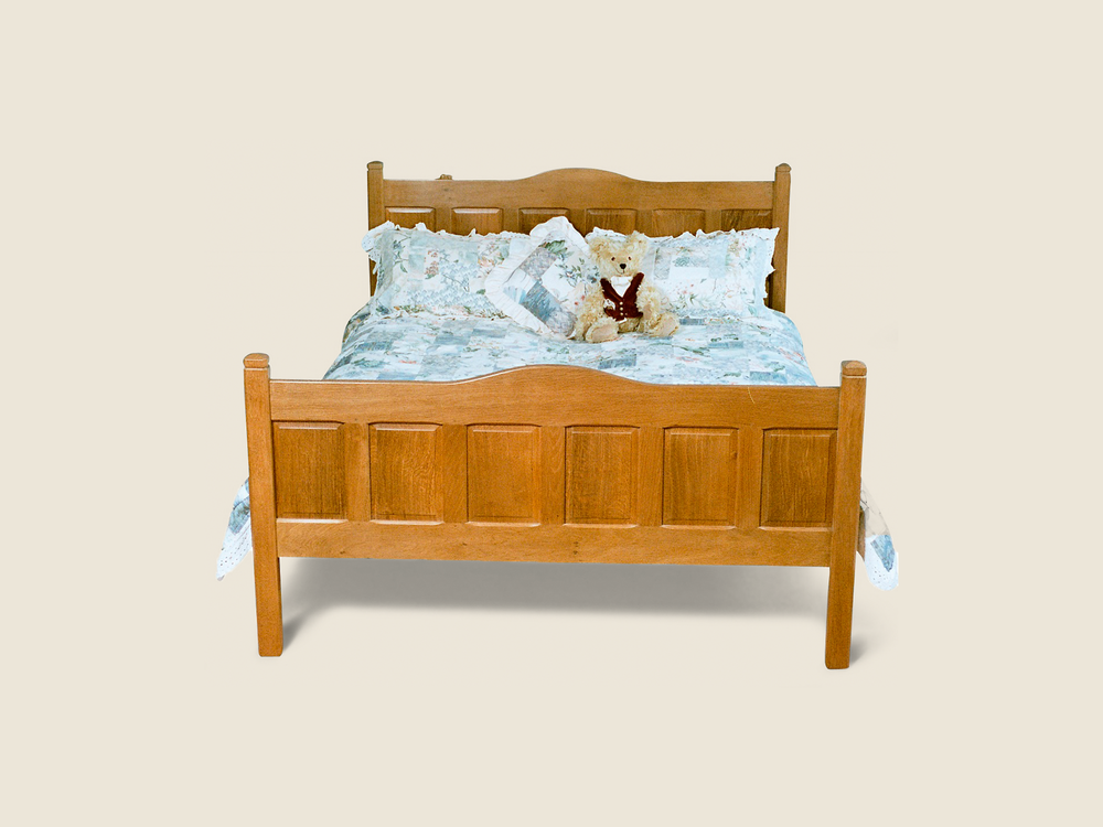 BF701 King Size Panelled Oak Bed