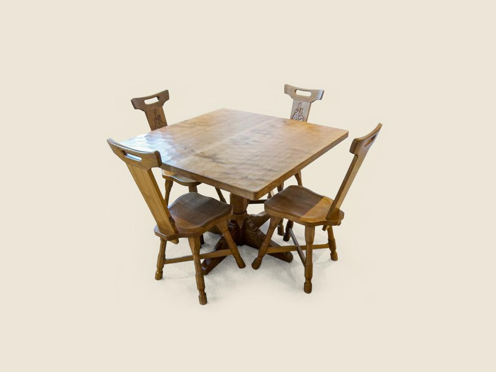 square-oak-dining-table-similar-to-mouseman
