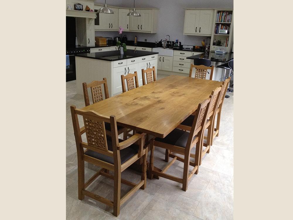 bf104_beaver_furniture_oak_dining_table_ furniture_makers_similar_to_mouseman.jpg