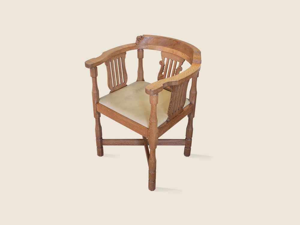 monks chair.jpg