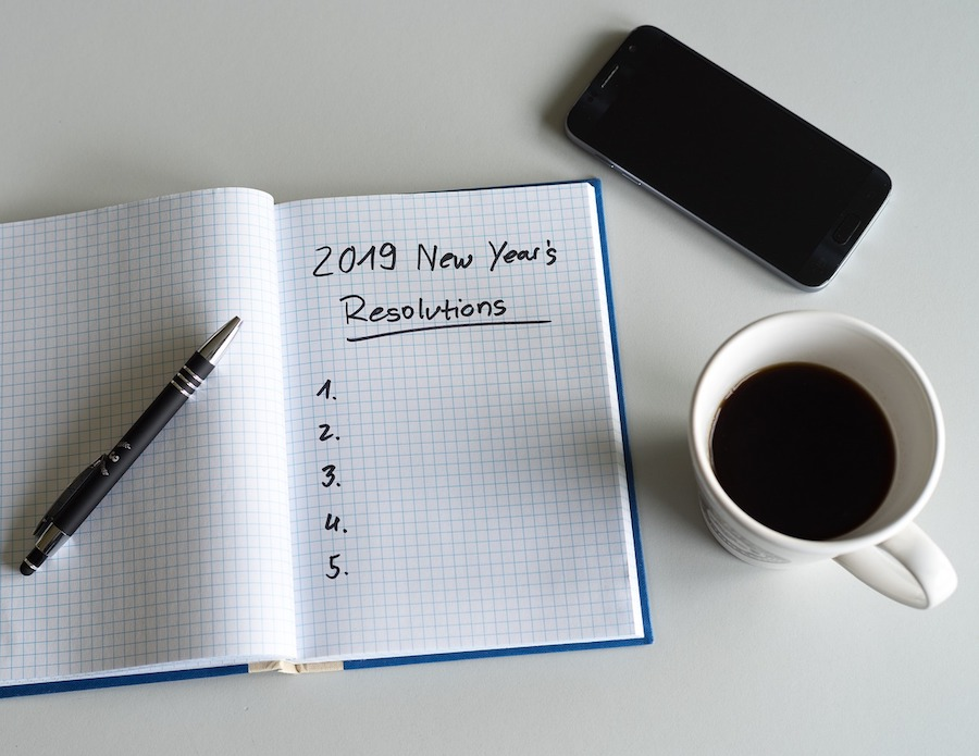 2019-List-New-Years-Day-Resolutions-Paper-3889951.jpg