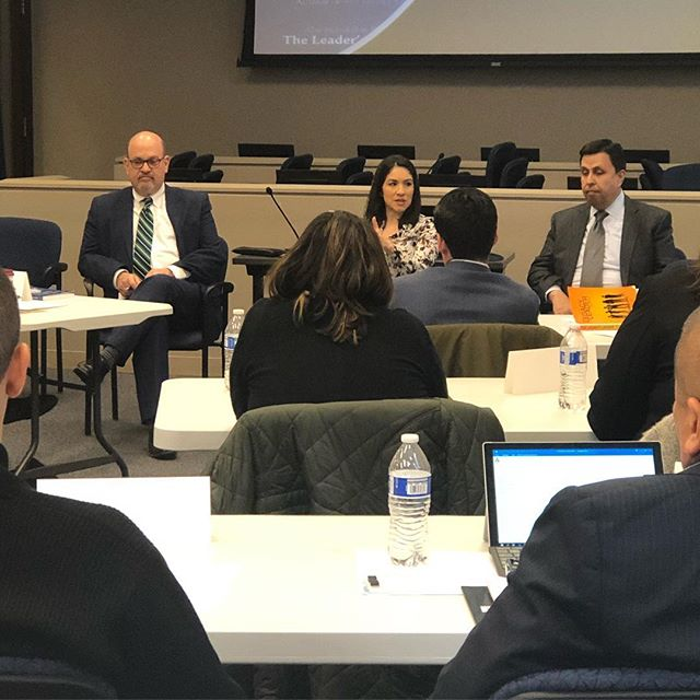 Closing out the work week with a Economic Development Discussion Panel with the Chicago Latino Caucus Foundation and @jaime.dipaulo @samaramejiahernandez and former IHCC President & CEO, Juan Ochoa. @mannyofthepeople @stellagaytan_