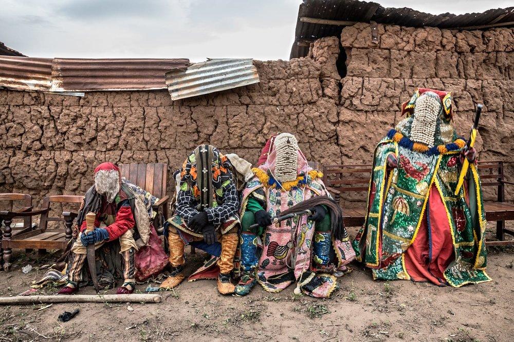 documentary-reportage-photography-voodoo-fabio-burrelli-1.jpg