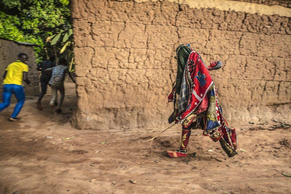 documentary-reportage-photography-voodoo-fabio-burrelli-15.jpg