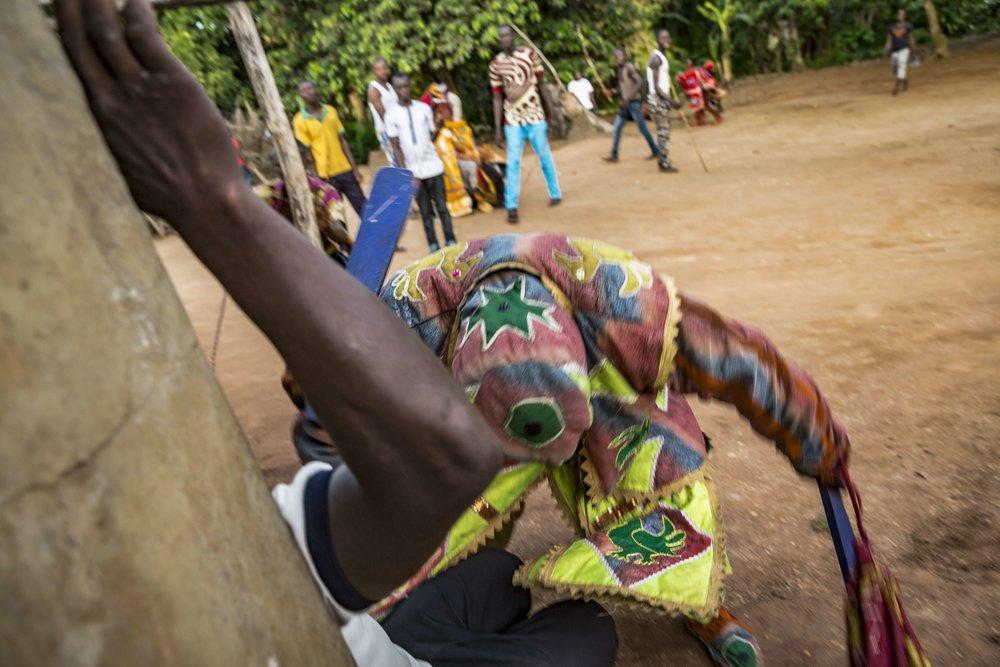 documentary-reportage-photography-voodoo-fabio-burrelli-17.jpg