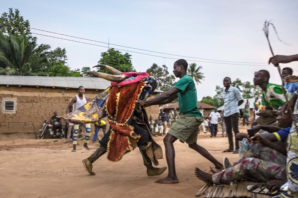 documentary-reportage-photography-voodoo-fabio-burrelli-18.jpg