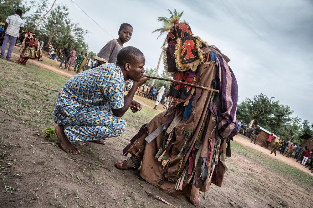 documentary-reportage-photography-voodoo-fabio-burrelli-21.jpg