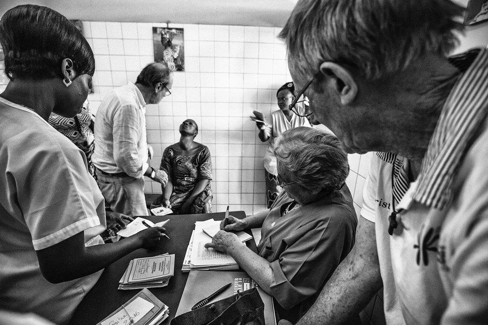documentary-reportage-24-hrs-gbemontin-healthcare-centre-fabio-burrelli-4.jpg