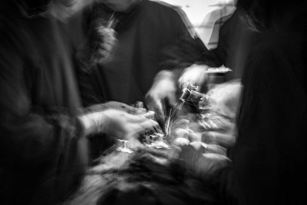documentary-reportage-24-hrs-gbemontin-healthcare-centre-fabio-burrelli-15.jpg