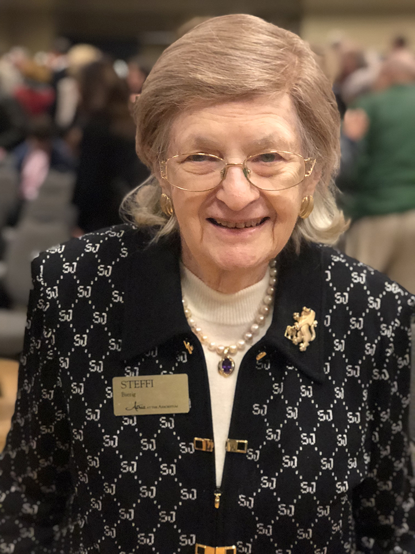 Holocaust survivor and Austin resident Steffi Bierig honored at Yom HaShoah event. Credit: Wendy R. Corn