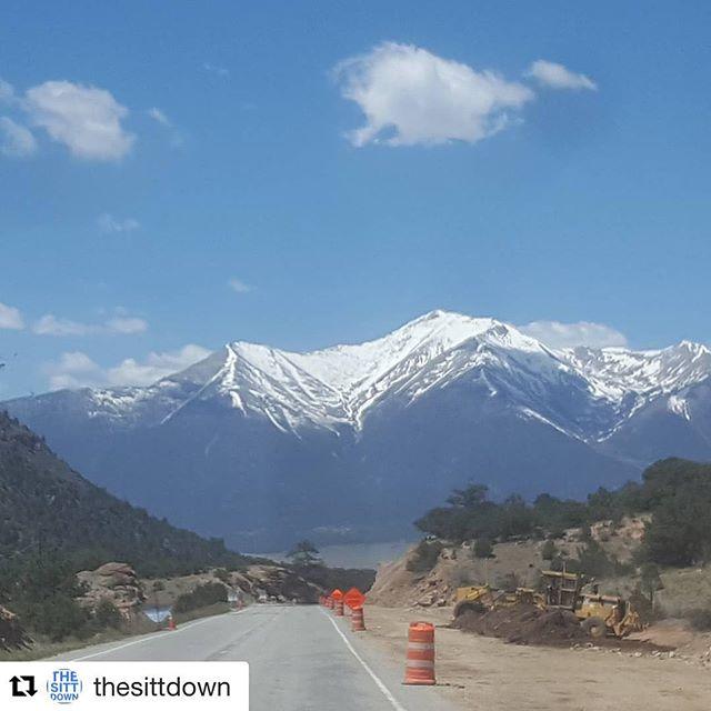 #Repost @thesittdown (via @repostapp) ・・・ Natures Smile #mandayexpededition #Lmnop #edgycation #happyweekend #notice #awareness #taketimeforyou #taketimeforyourself #mountain #clouds #colorado