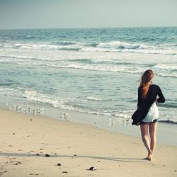 beach-woman-1149088_1920.jpg