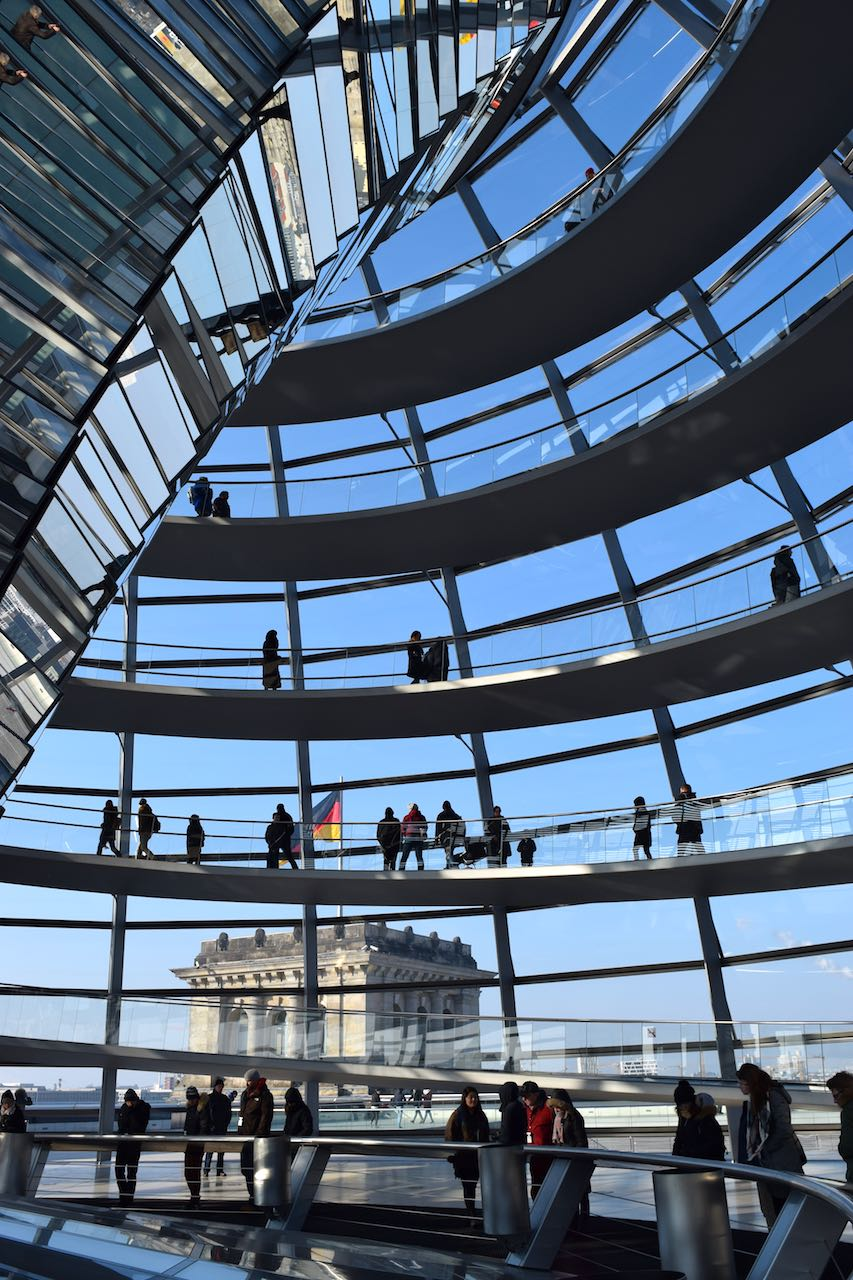 reichstagabovewindows.jpg