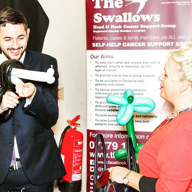 Good to see our Steven smiling he deserves it after all his hard work he does.  Now stick em up! 🤚 🤚. . #hncconf2017 #yoursimpal #cancer