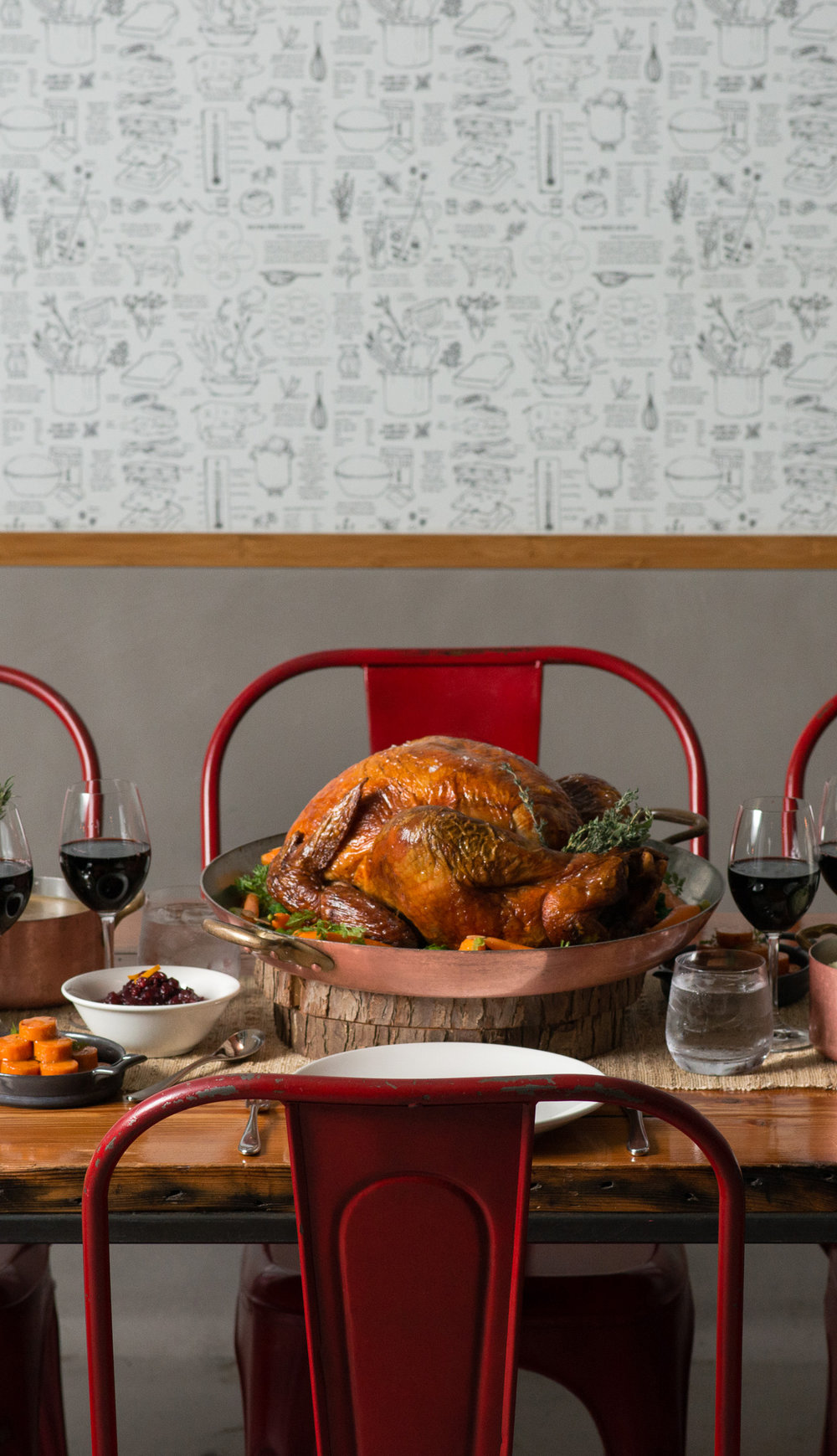 RAILTOWN CATERING BRINGS BACK SIGNATURE TURKEY TO-GO PACKAGES - November 14, 2018Railtown Catering is simplifying the busy holiday season once again this year by bringing back their hassle-free Holiday Turkey To-Go packages, available for pickup or delivery on December 24, 25 and 26.Prepared from scratch by Railtown Catering's award-winning team of classically trained chefs, each traditional holiday dinner serves eight to 10 guests and features a pre-carved 16-lb. sage-roasted turkey with all the trimmings – including giblet gravy, dried apricot, chestnut & brioche stuffing, Brussels sprouts with toasted almonds, mashed Yukon gold potatoes with chives – and pecan pie with Chantilly cream for dessert. Larger groups can supplement their ready-made festive feast with extra side dishes, sauces and desserts on an à-la-carte basis.Railtown Catering will be giving back this holiday season and donating a portion of the proceeds from the sale of each Holiday Turkey To-Go package to Mission Possible, a non-profit neighbourhood organization that provides street-level care for those with immediate and critical needs in Vancouver's Downtown Eastside.