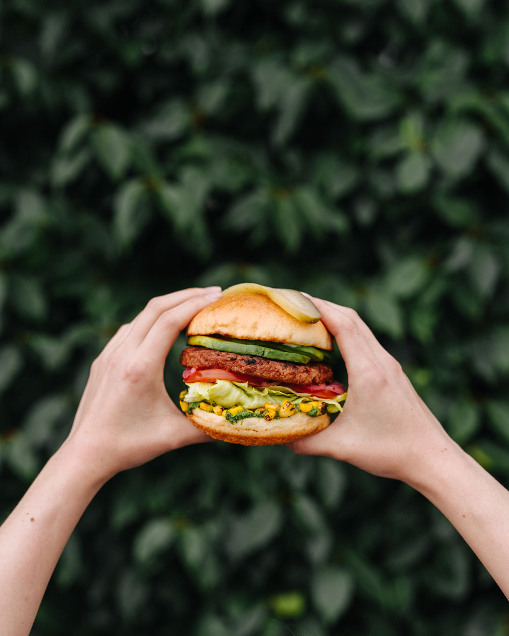 WHITE SPOT is GIVing AWAY 300 FREE AVOCADO BEYOND BUGERS™ - April 15, 2019Beloved BC restaurant chain White Spot is inviting Vancouver burger lovers to join them in celebrating the addition of the 100%-plant-based Beyond Burger® patty to its menu by giving away 300 FREE Avocado Beyond Burgers™ (limit one per person) from its food truck parked at the EasyPark parking lot at the corner of Cambie and West Georgia (688 Cambie Street) starting at 11 a.m. today.Available at all full-service White Spot restaurants in BC and Alberta beginning Monday, April 15, White Spot's Avocado Beyond Burger features a hearty four-ounce chargrilled Beyond Burger patty, fresh avocado, pickled onions, roasted corn, crisp lettuce, vine-ripened tomatoes, jalapeño ranch and edamame hummus