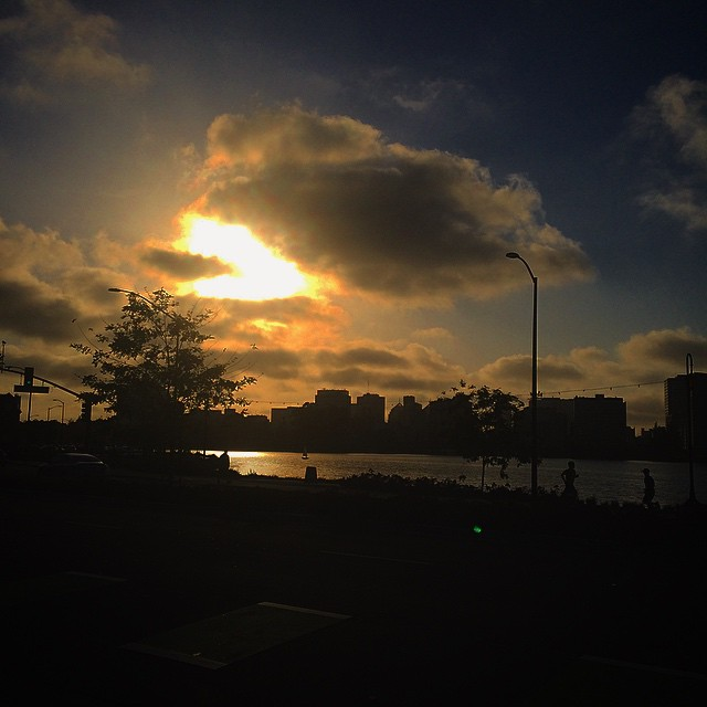Beautiful #sunset on this lovely Sunday in #TheTown #Oakland  (at Lake Merritt, Oakland CA)