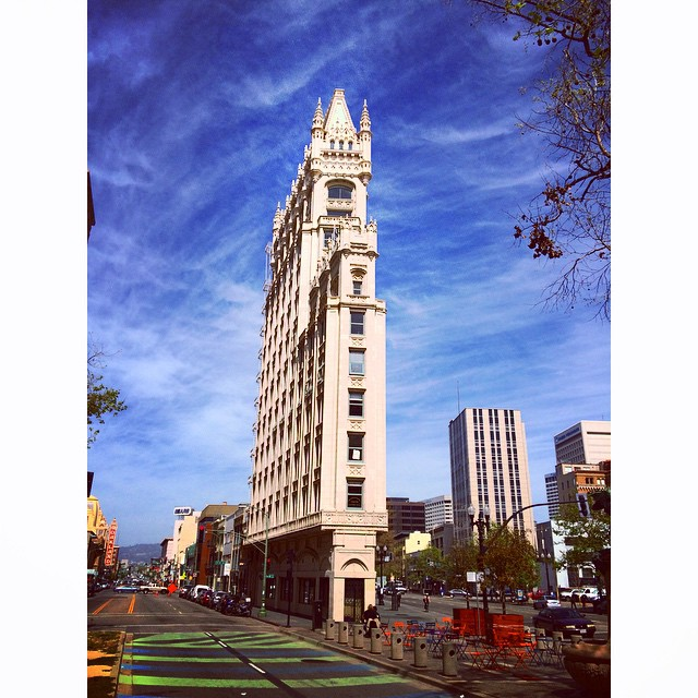 #Downtown #Oakland #bluesky #vacationisover #goodnight
