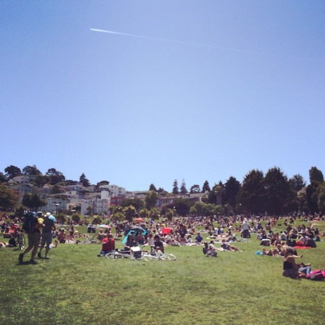 Sundays. San Francisco. Sun. Loving life ☺️#nowplaying #bagraiders #shootingstar