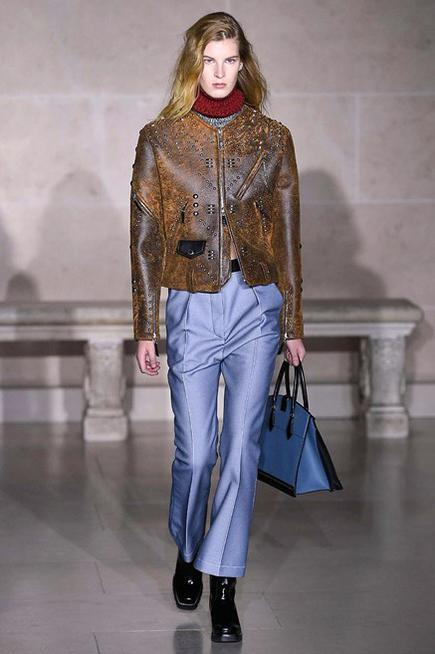 Vuitton-RF17-2460_image_ini_435x655_downonly_nocrop-1.jpg