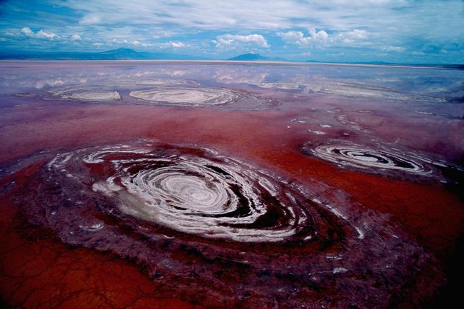 lago-Natron-rosso