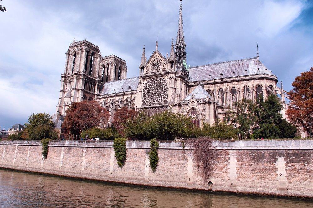 Vista laterale Notre Dame