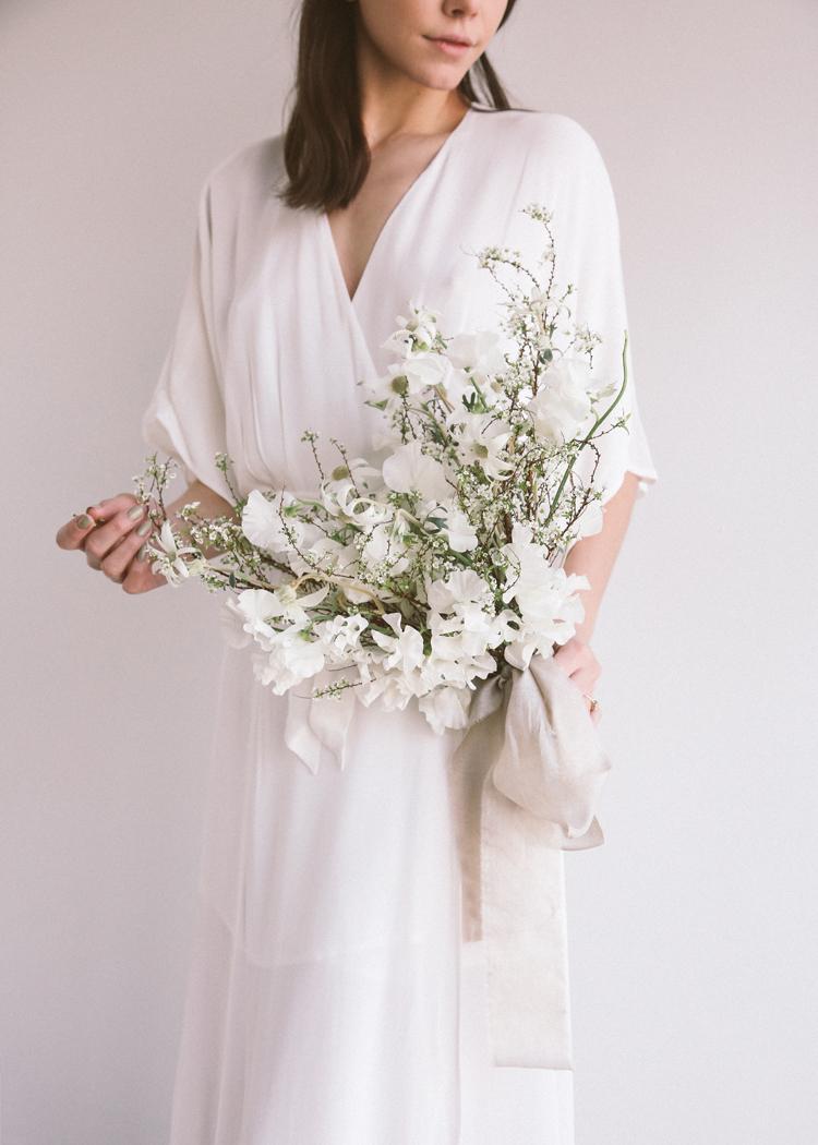 white bouquet soil and stem classes (c)evelyneslavaphotography2019 (12).jpg