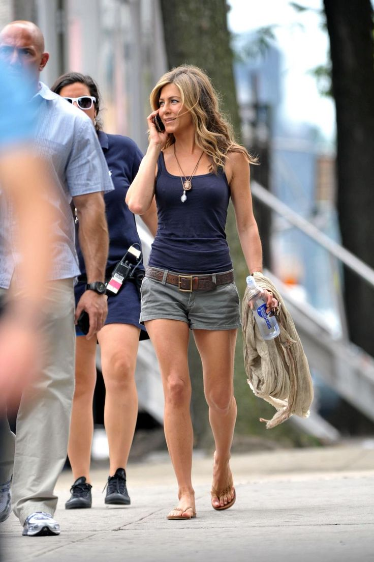 jen aniston in gray shades - casual