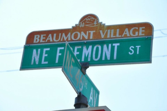 beaumont-village-signs.jpg