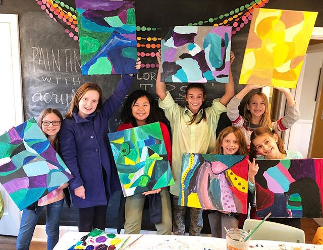Had a blast today celebrating the start of winter break with an Art Party for these crazy kids! These gals have been friends for a long time, and even though they go to a few different schools now, I love that they make time to make art together! #artparty #kidsart #friendswhopainttogetherstaytogether