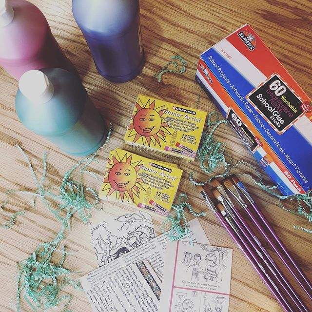 Supplies starting to roll in for our February/March box! Start or renew your @artschoolbox subscription by Feb. 15th for delivery this month. Details at link in bio! #artschoolbox