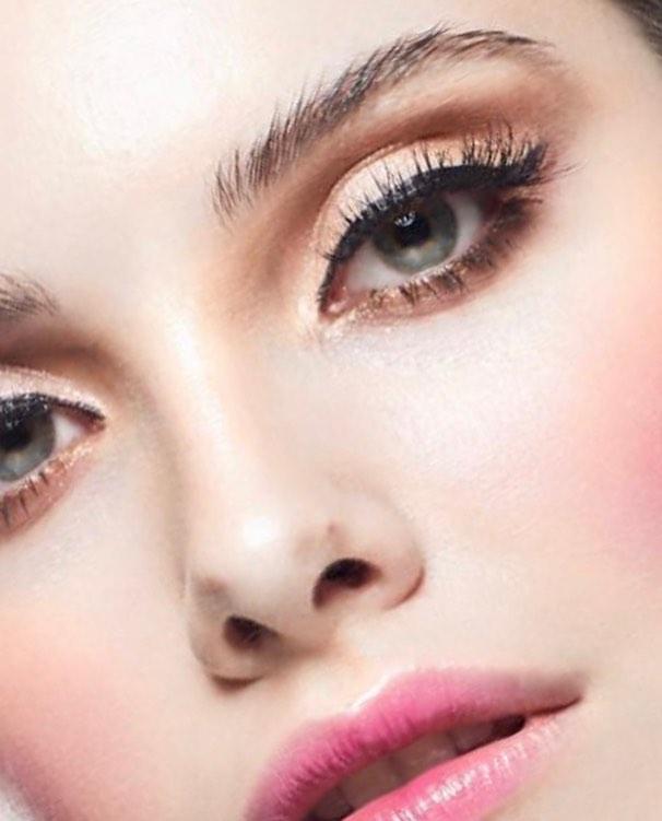 | The Margaret | Photo- @nicoleromanoffphoto  Makeup- @saralindsaymakeupartist  Model- @_hannahdawn @edge_agency @nextcanada  #saralindsaylash #3dminklash #lashes #minklashes