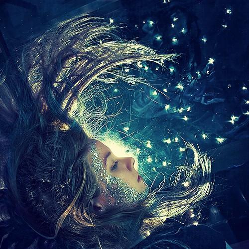 art,magical,goddess,moon,blue,colour-914cfd9ac7c16f1de05e0b5bfff27e58_h.jpg