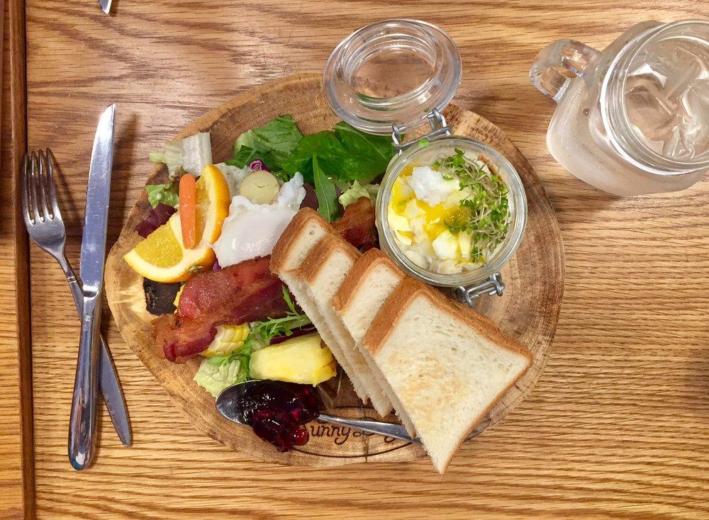 Sunny Days breakfast.jpg