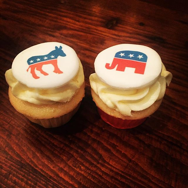 It's a big day in 🇺🇸......and #sugarhigh has #sweettreats for those having Election Day parties this evening! #cupcakes #sweettreats #america #vote