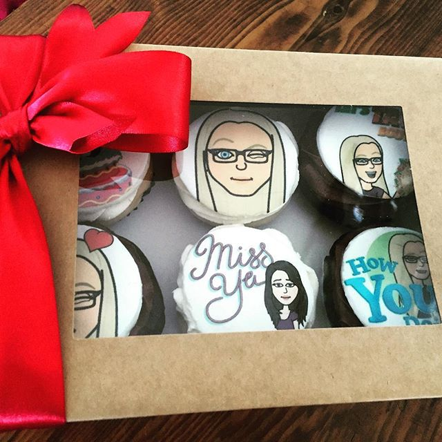 What is better then a 6 pack of personalized #cupcakes for a friend to let them know you are thinking of them!!! #sweettreats #torontoeats #yyzfood #toronto #friendshipgoals #friendaversary