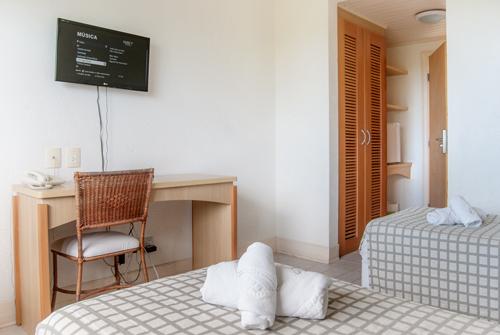 Hotel-Torres-da-Cachoeira-Florianopolis-por-Bruno-Sampaio-3-thumb.jpg