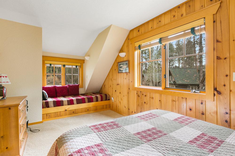 2018_03_27_metolius_resort_cabin1_32.jpg