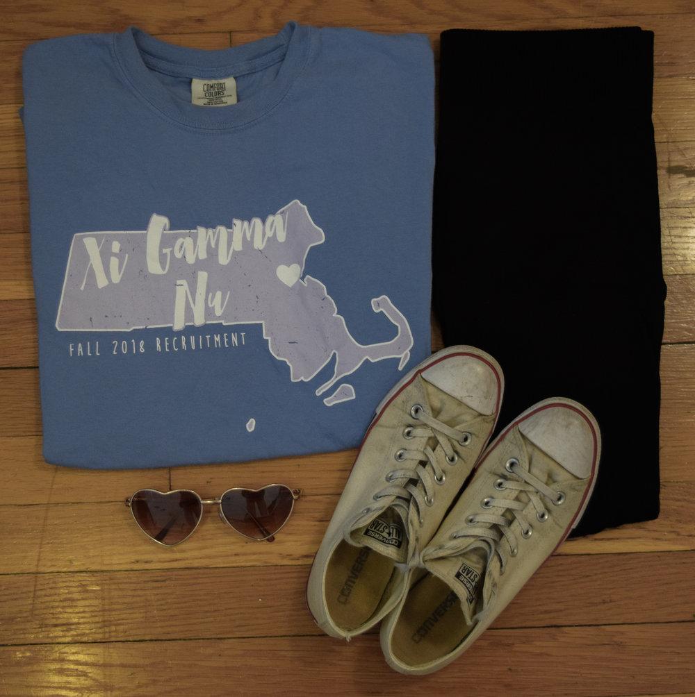 shirt ( gamma  exclusive, sorry babes!).  leggings .  sneakers .  sunglasses .
